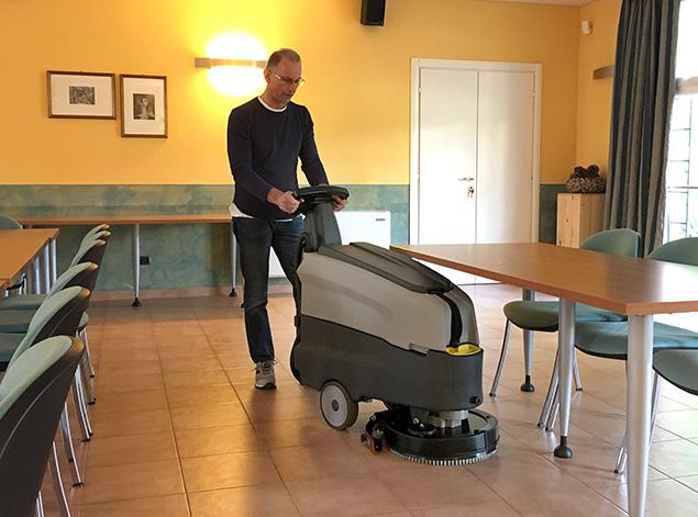 lavadora-e-secadora-de-piso-é-produtiva-e-eficiente